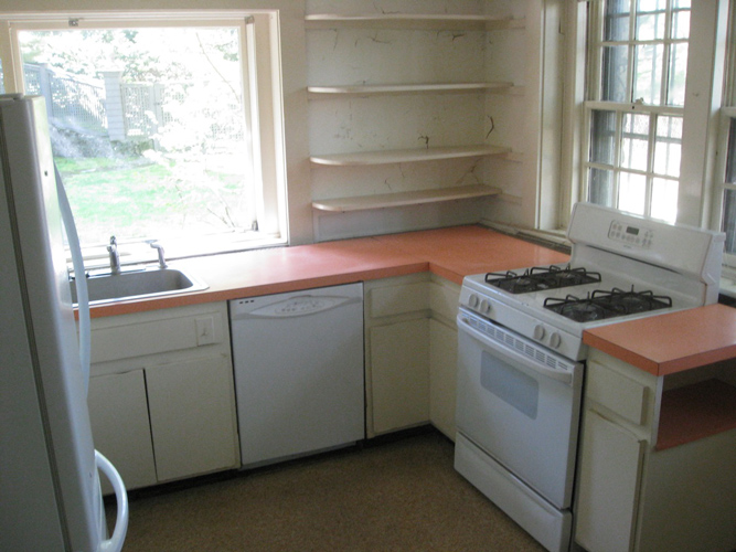 Carriage House Kitchen Before
